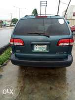 Toyota Sienna (a month used)