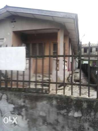 A bungalow comprising 3 bedroom flat and 2 bedroom with C of O N4.5m Alagbado - image 4