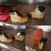 Selling my Timberland New