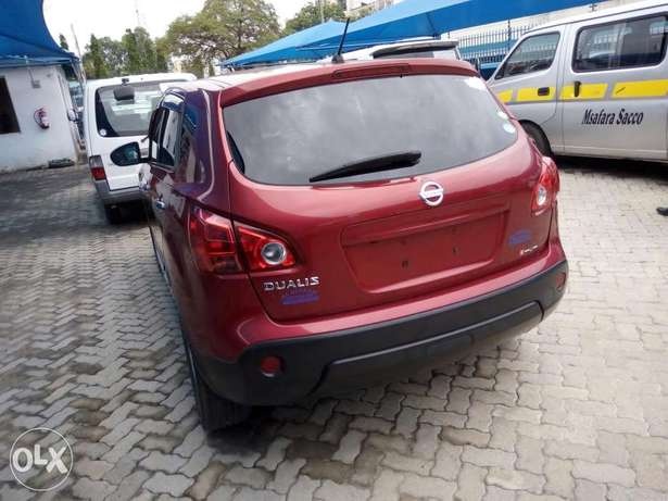 Red Nissan dualis New number Mombasa Island - image 3