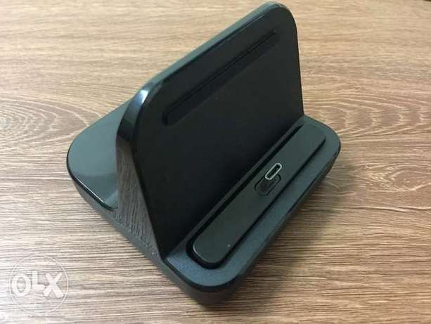 OnePlus 3/3T/5/5T/6/6T/7 Dock charger.