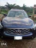 very clean used Infiniti FX50 09 with full option