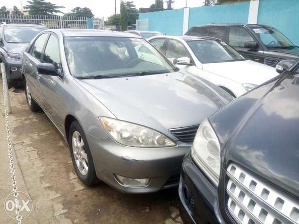 Toyota Camry V6 xle foreign used 2006model for Sale Ikeja - image 5