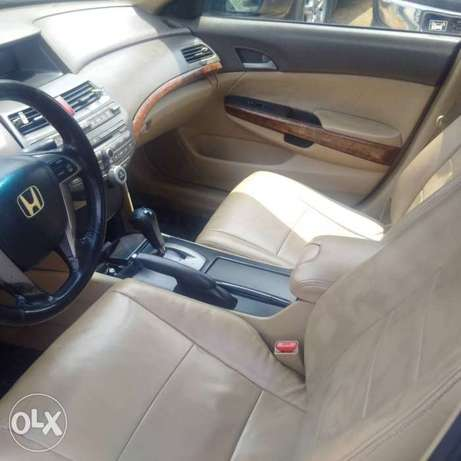 Extremely clean 07 accord with 4 plugs engine Port Harcourt - image 3