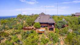 Luxurious Bush lodge nestled in the Mabalingwe Nature Reserve