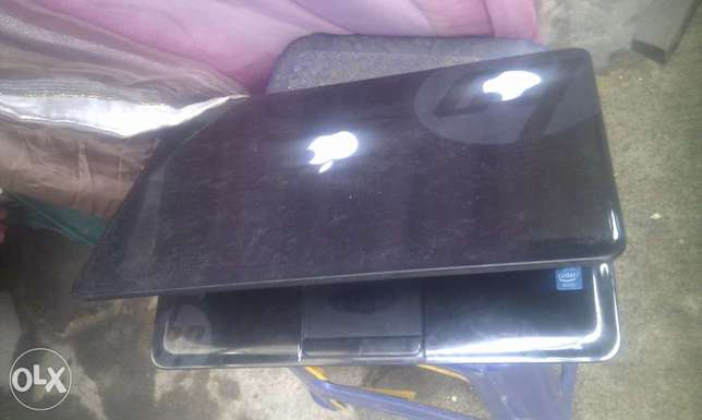 hp 2000,intel corei3,4gram,.320ghd,2.5ghz,15.6inches Surulere - image 1
