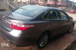 Super Clean Tokunbo 2017 Toyota Camry Gray,