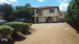 Beautiful Four bedroom massionate to let at Mt View estate