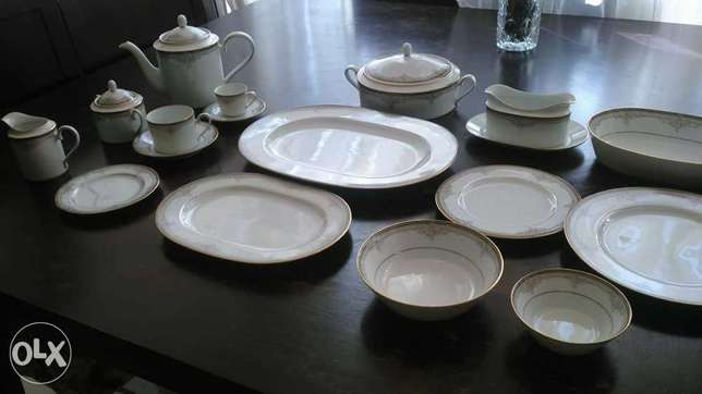 Vintage Noritake 119 pieces. Serving 12 . Never used