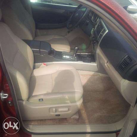 Tokunbo Toyota 4Runner, 2007, 2-Row Leather Seat, Very OK. Lagos Island East - image 2