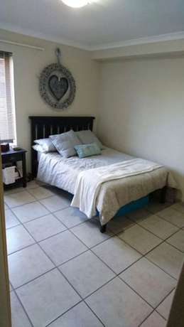 Flat to rent Sea Point - image 8