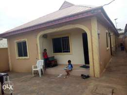 Decent 2 bed room flat to let at baruwa,lagos