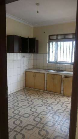 Three bedroom stand alone house for rent in najera at 750k Kampala - image 2