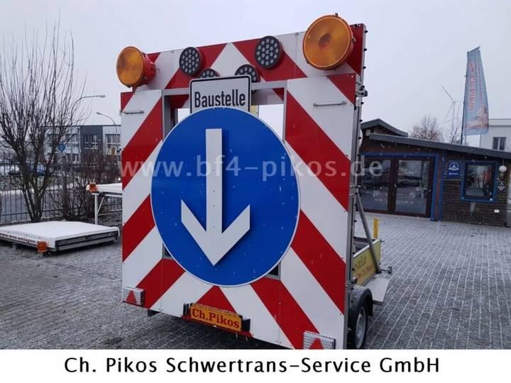 Verkehrssicherungsanhänger VSA - Absperrtafel - 2016