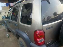 Tokunbo liberty jeep 2004