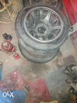 Rims for sale 2800 with tyers