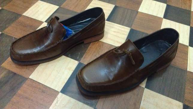 an ACQUILA vintage pure leather loafer size 42(uk 8) Kampala - image 5