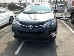 A super clean registered Toyota Rav4 2015 (must go today)