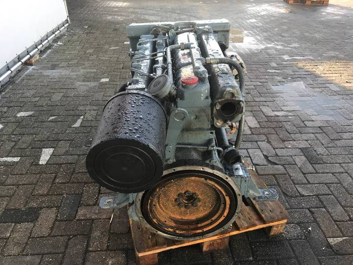 MAN 6 660E Marine Diesel Engine - DPX-11737 - 1999 - image 4