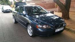 2006 Volvo S60 with sunroof