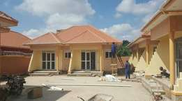 A fantastc doubleroomed house for rent in m,utungo at 500k