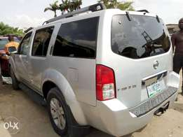 ADORABLE MOTORS: A Neatly used & sound 2005 Nissan Pathfinder 4 sale