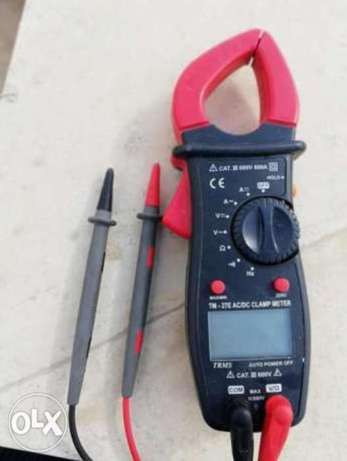 Digital Clamp Meter Tm-27e 600A TRMS AC/DC