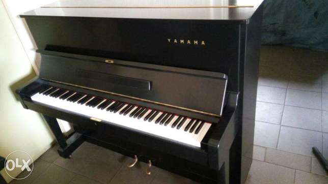 Yamaha U1 Upright Piano Yaba - image 3