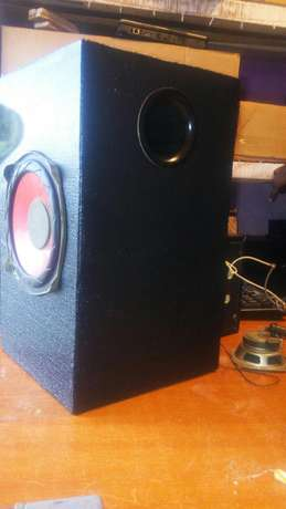 Subwoofer boxes, loud speakers & car subwoofers Molo - image 1