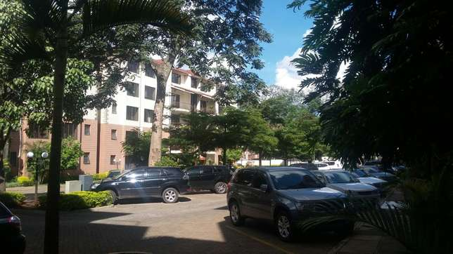 Executive 3bedroom plus Dsq for sale on first floor Lavington - image 8