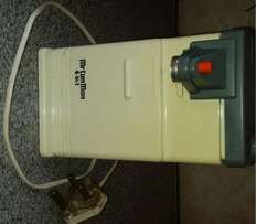 Electric Can Opener - Hardly Used