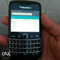 blackberry can Whatsap FB everything free CapeTown