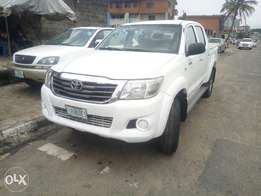 Toyota Hilux locally used 2012model for sale