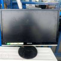 Uk used 24inch samsung Hd monitor with hdmi port