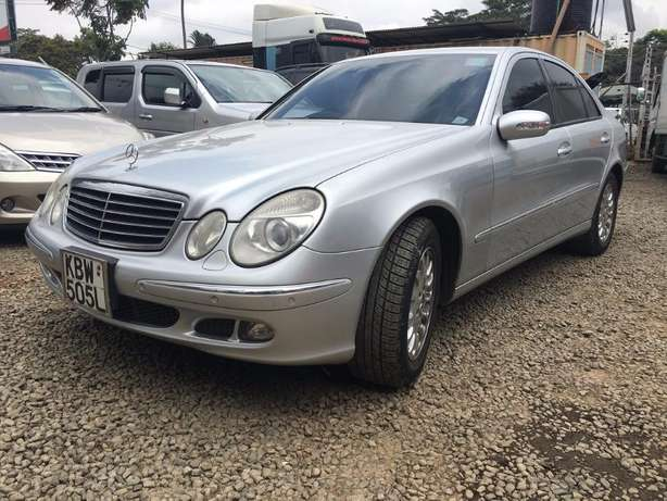 Locally Used 2006 Mercedes E280, SILVER On Offer 1,780,000/= Lavington - image 3