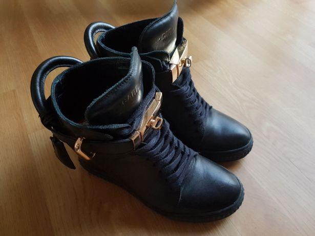 Sneakersy Z Klodka Buty OLX.pl