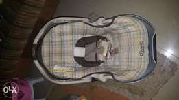 Graco Baby car sitter