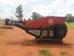 Red Rhino 5000 Mobile Crusher