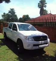 For sale 2010 Toyota Hilux D4D D/C 2.5 DT 4x4