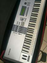 Yamaha motif Es8 synthesiser work station Keyboard in mint condition