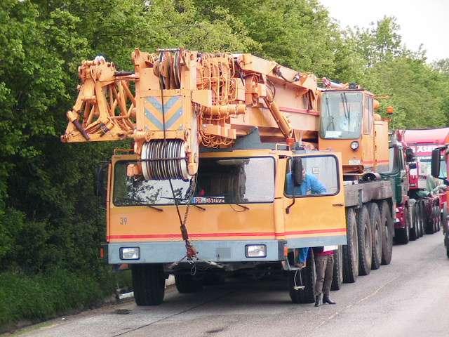 Liebherr LTM 1200 Main Boom 54,5 mtr + Fix jib 22 Luffing jib 63 mtr - 1991 - image 2