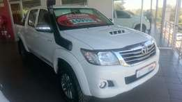 2015 Toyota Hilux Legend 45 A/T 4x4 WITH only 85000 km and all Extras