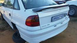 Opel astra 1.6 manual complete for rebuild R 8500 or stripping
