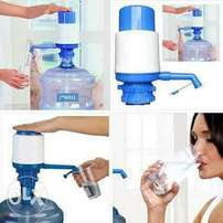 Manual water dispenser/water pump