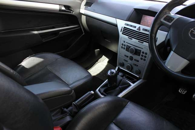 Opel Astra 2.0 Turbo Kuils River - image 1
