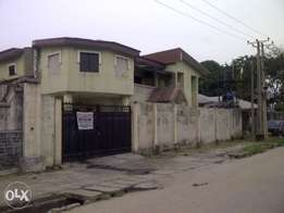A 6bedroom duplex with a 3bedroom flat for sale