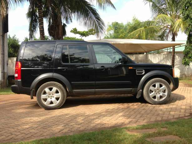 Land Rover Discovery 3 - Excellent Condition Diani Beach - image 4