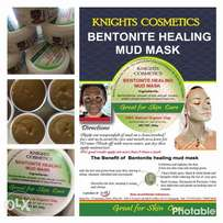 Bentonite turmeric mask