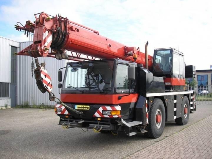Liebherr LTM 1030-2 - 2001