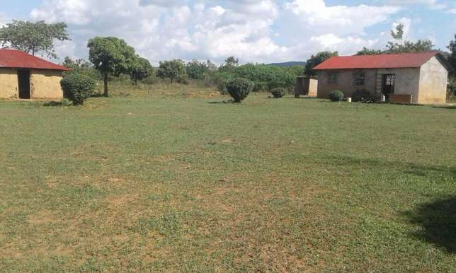SAMIA 2 Acres with ready TITLE. OFFER PRICE 2.4m only Nairobi West - image 1